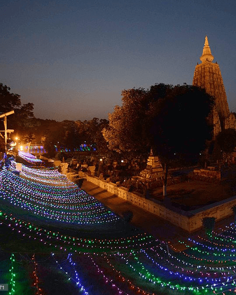 Extensive light offerings to the Mahabodhi Stupa